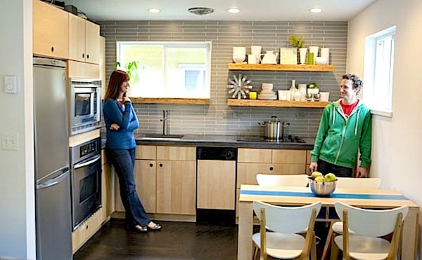 600-sq-ft-home-kitchen